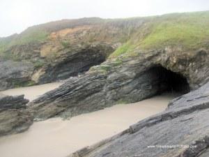 Playa de Arnao, en Castropol: Cuevas playa