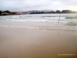 Playa de Arnao, en Castropol: Afición a pesca