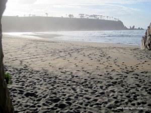 Playa de Barayo en Valdés: Vistas desde cuevas Las Santinas