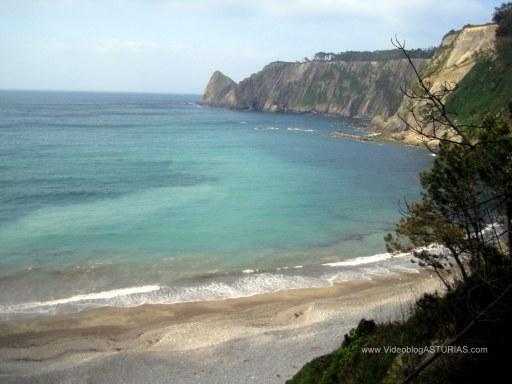 Playa de Oleiros: Vistas zona Este, desde camino acceso
