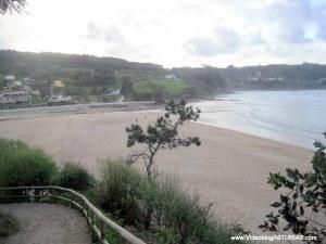 Playa de La Griega: Senda hasta restos jurásicos y la Isla
