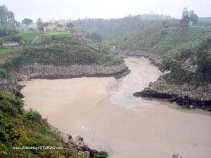 Playa de Guadamía : Meandros del rio