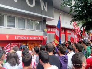 Homenaje a Preciado de aficion Sporting: Desfile Peñas