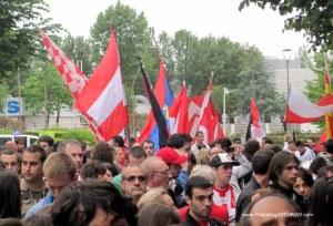 Homenaje a Preciado de aficion Sporting: Banderas Peñas