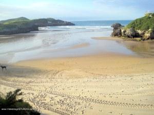 Playas de Celorio: Playa de Los Curas-Los Frailes