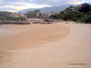 Playas de Celorio, Llanes: La Palombina