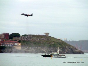 Exhibicion aerea Gijon 2012: Harrier detenido y patrulla guardia civil