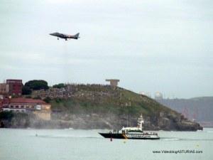 Exhibicion aerea Gijon 2012: Harrier detenido y patrulla guardia civil
