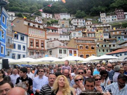 Pregon Amuravela en Cudillero: Plaza Marina repleta
