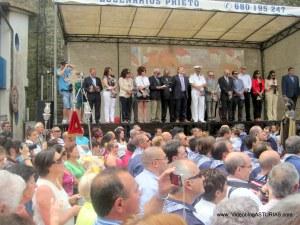 Sermon Amuravela en Cudillero:  Escenario-palco autoridades