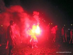 Celebraciones Eurocopa 2012 en Oviedo: Bengalas en plaza America
