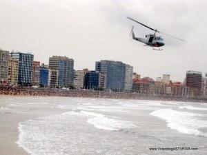 Exhibicion aerea Gijon 2012: Helicoptero B212 Armada Española