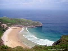 Playa de Ballota en Llanes: Bajamar