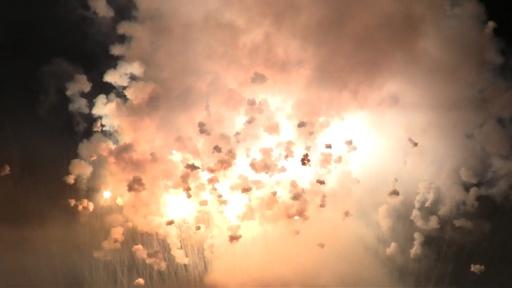 Fiestas del Avellano en Pola de Allande: La descarga de cohetes y voladores