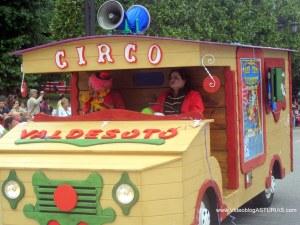 Dia America en Asturias 2012 Oviedo: Gran Circo Valdesoto