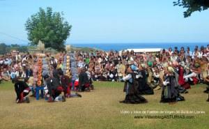 Fiestas de Virgen de Guia, en Llanes: Reverencia, bollo y ramo