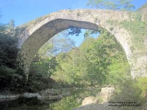 Video, fotos y mapa Hoya de San Vicente y rio Dobra: Puente Medieval